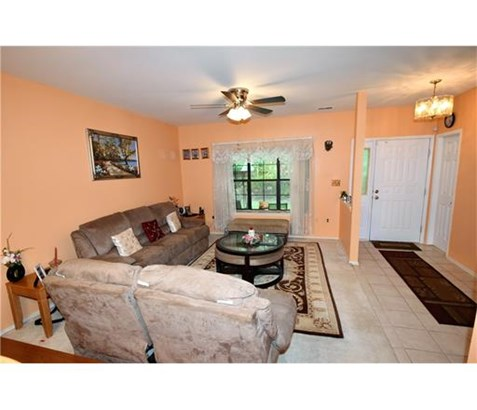 Condo/Townhouse, Colonial - 1214 - North Brunswick, NJ (photo 4)