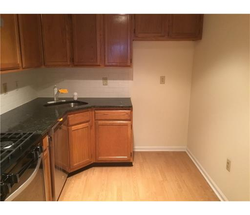 Condo/Townhouse - 1806 - Bridgewater, NJ (photo 5)