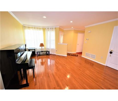 Condo/Townhouse, Colonial - 1214 - North Brunswick, NJ (photo 3)