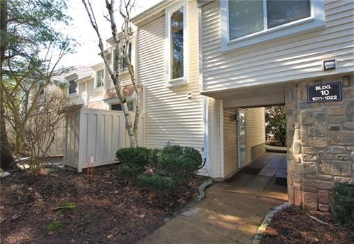 Condo/Townhouse - 1214 - North Brunswick, NJ (photo 2)