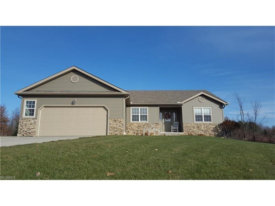 6471 Bay Meadow Ct, Austintown, OH - USA (photo 1)