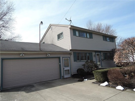 3540 Breeze Knoll Dr, Youngstown, OH - USA (photo 2)