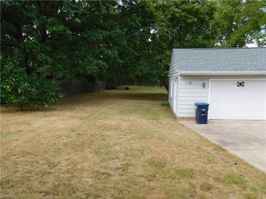 2439 Briner Ave, Akron, OH - USA (photo 4)