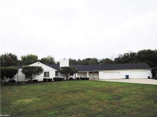 215 Warner Rd, Hubbard, OH - USA (photo 1)