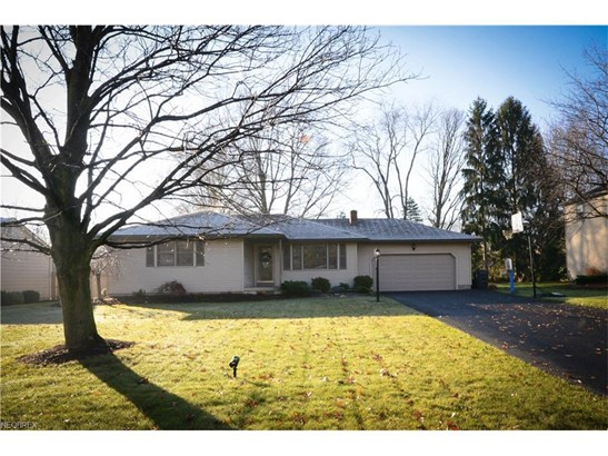 1273 Valley View Dr, Youngstown, OH - USA (photo 1)