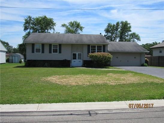 3914 Crestview Ave Southeast, Warren, OH - USA (photo 1)
