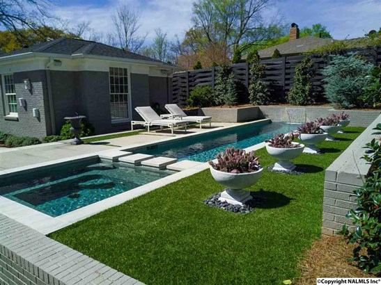 Heated pool and spa are perfect entertaining spaces all year around. (photo 3)