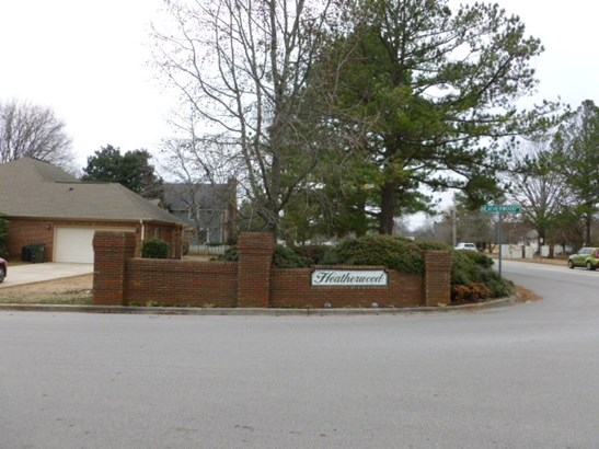 101 Heatherwood Drive, MADISON, AL - Photo 1