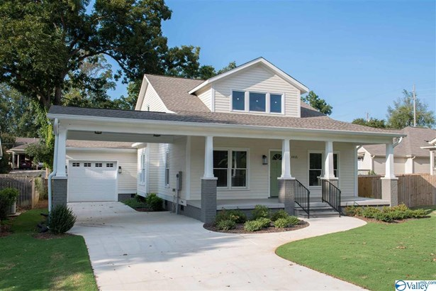 New Craftsman style home with Carport and attached Garage