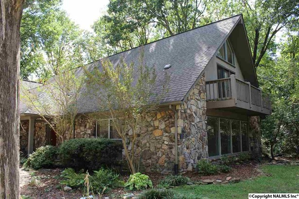 704 Bluewood Drive, HUNTSVILLE, AL - Photo 2 (photo 2)