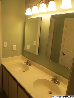 Double Vanity in Master Bath (photo 5)