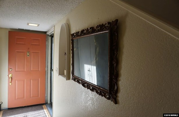 Condo/Townhouse - Sparks, NV (photo 3)