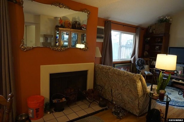 Condo/Townhouse - Sparks, NV (photo 5)