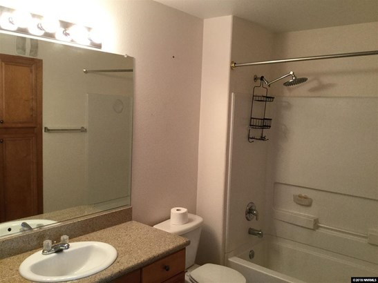 Condo/Townhouse - Reno, NV (photo 4)