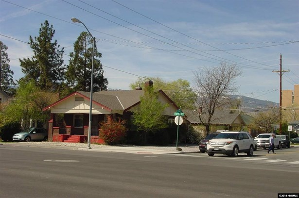 2 SFR on 1 APN - Reno, NV (photo 1)