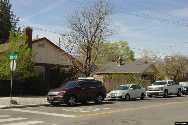 2 SFR on 1 APN - Reno, NV (photo 2)