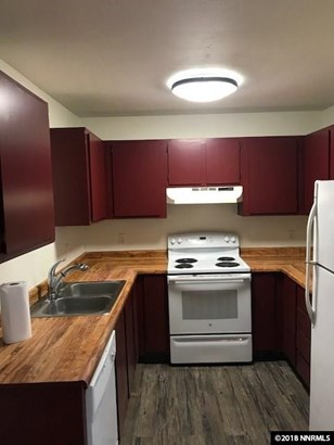 Condo/Townhouse - Reno, NV (photo 5)