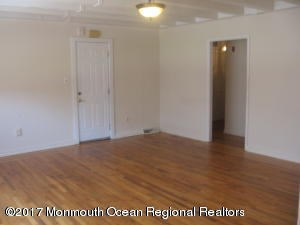 441 E Cape May Avenue , Ocean Gate, NJ - USA (photo 3)