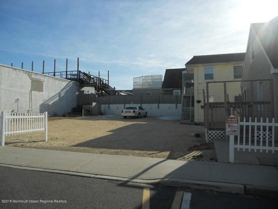 1219 Ocean Terrace , Seaside Heights, NJ - USA (photo 2)