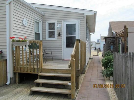 39 Shore Villa Road B# 106, South Seaside Park, NJ - USA (photo 2)