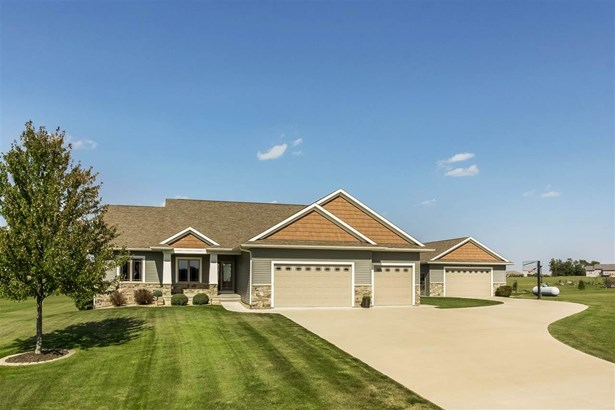 3360 Southridge Dr, Amana, IA - USA (photo 1)