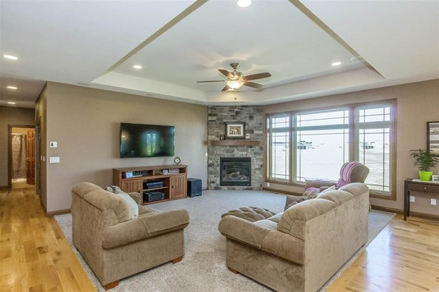 3360 Southridge Dr, Amana, IA - USA (photo 2)