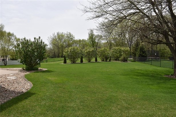 2120 Timber Creek Drive, Marion, IA - USA (photo 5)