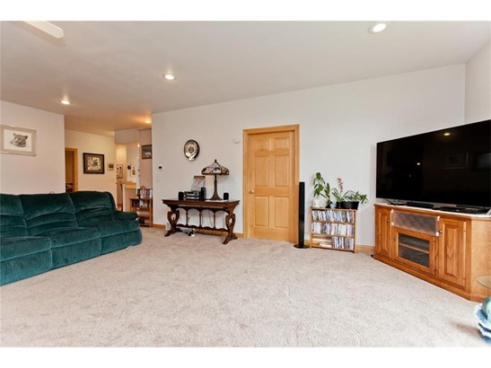 1222 Ll Avenue, Marengo, IA - USA (photo 5)