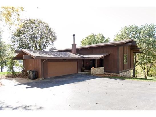 3863 Lake Vista Drive, Solon, IA - USA (photo 2)