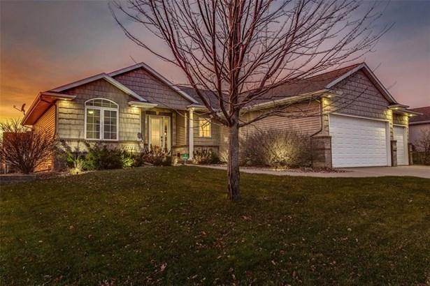 8415 Westfield Drive, Cedar Rapids, IA - USA (photo 1)