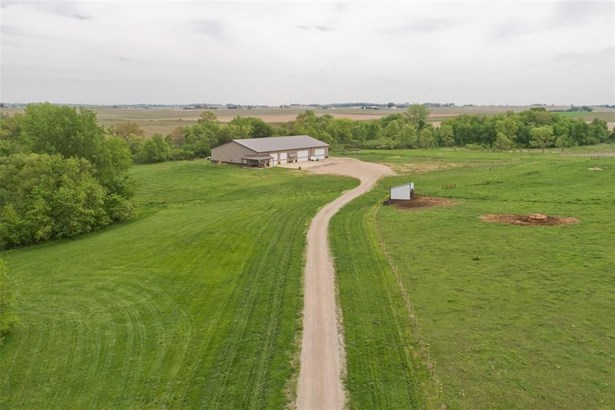 2393 Mabie Road, Ely, IA - USA (photo 3)