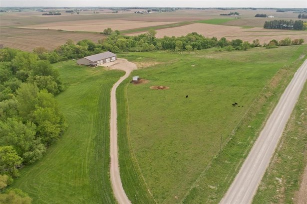 2393 Mabie Road, Ely, IA - USA (photo 4)