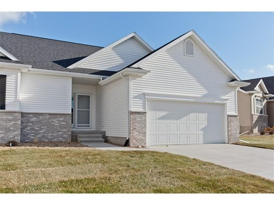529 Stone Hedge Drive, Cedar Rapids, IA - USA (photo 2)