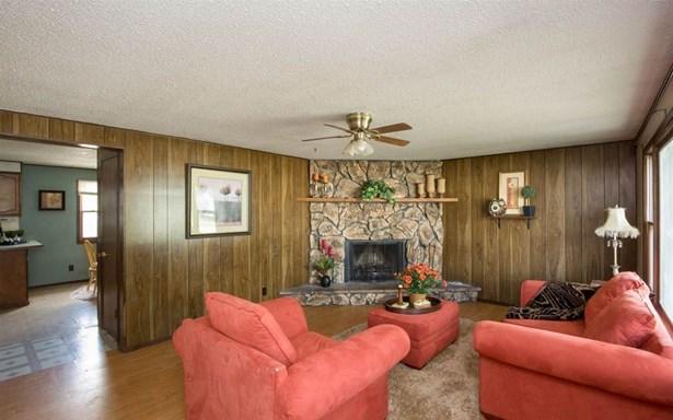 200 Main St., Tiffin, IA - USA (photo 4)