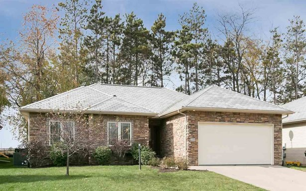 2250 Dempster Dr, Coralville, IA - USA (photo 1)
