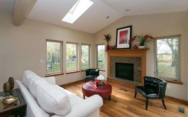 2250 Dempster Dr, Coralville, IA - USA (photo 5)