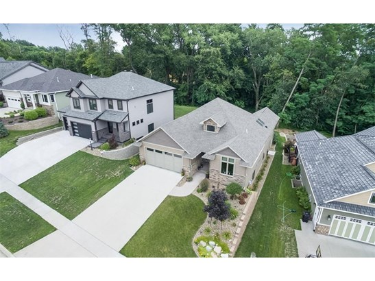 2909 Broken Woods Drive, Coralville, IA - USA (photo 1)
