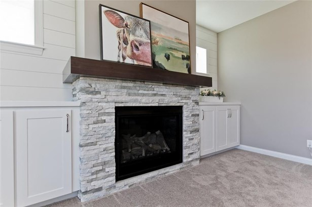 1382 Crescent Oak Lane, Marion, IA - USA (photo 5)