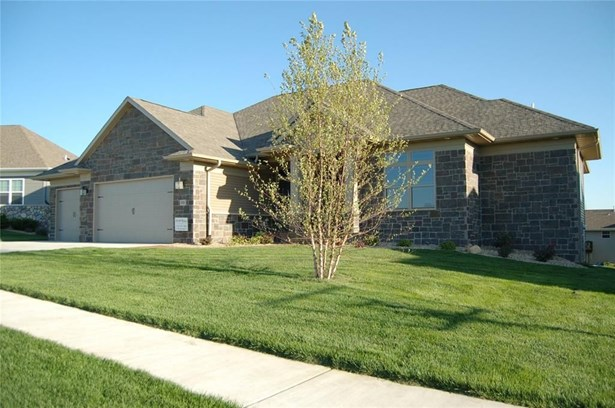 1081 Portsmith Circle, Marion, IA - USA (photo 2)