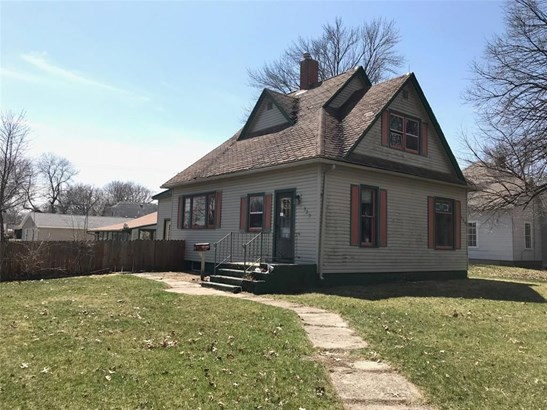 529 W Washington Street, Marengo, IA - USA (photo 1)