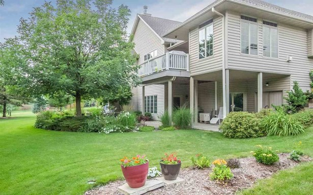 650 Huntington Dr, Iowa City, IA - USA (photo 2)