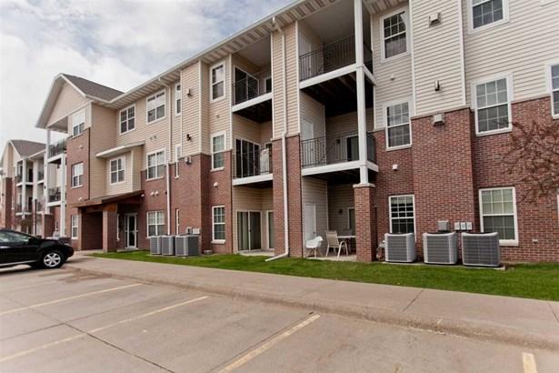 600 Grandview Ct 630, Iowa City, IA - USA (photo 1)