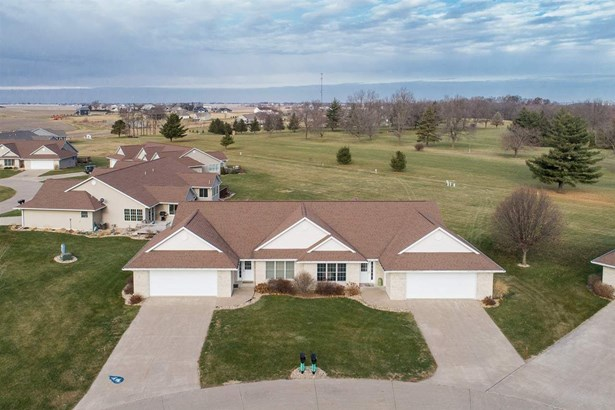 1479 Ridgeview Ave, West Liberty, IA - USA (photo 1)