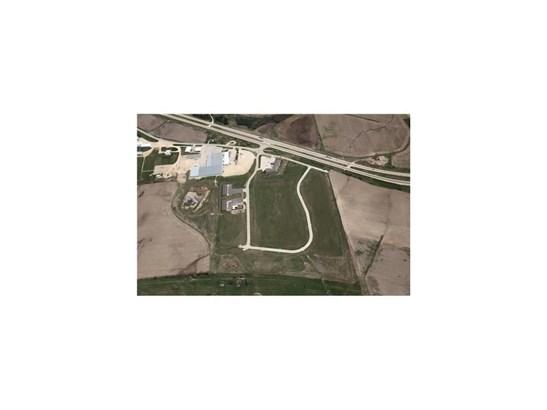 Lot 17 Anamosa Commercial Park, Anamosa, IA - USA (photo 3)