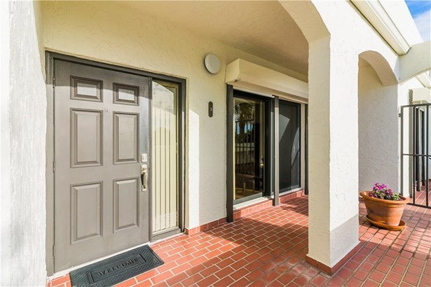 Condo/Coop - Jensen Beach, FL (photo 4)