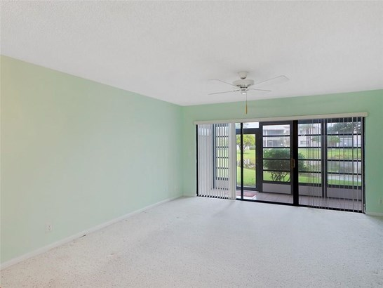 Condo/Coop - Stuart, FL (photo 4)
