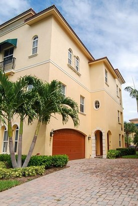 Condo/Coop - Jensen Beach, FL (photo 2)