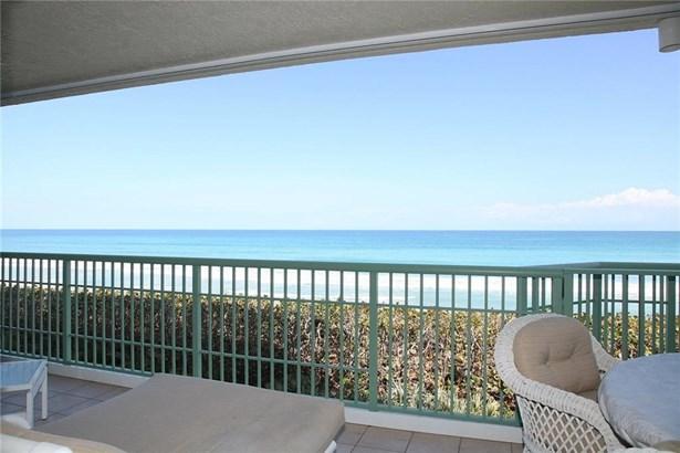 Condo/Coop - Jensen Beach, FL (photo 2)