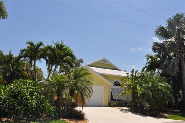 Single Family Detached - Stuart, FL (photo 2)