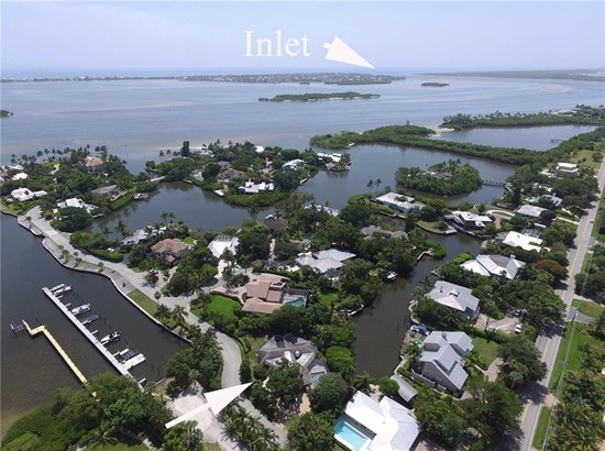 Single Family Detached - Sewalls Point, FL
